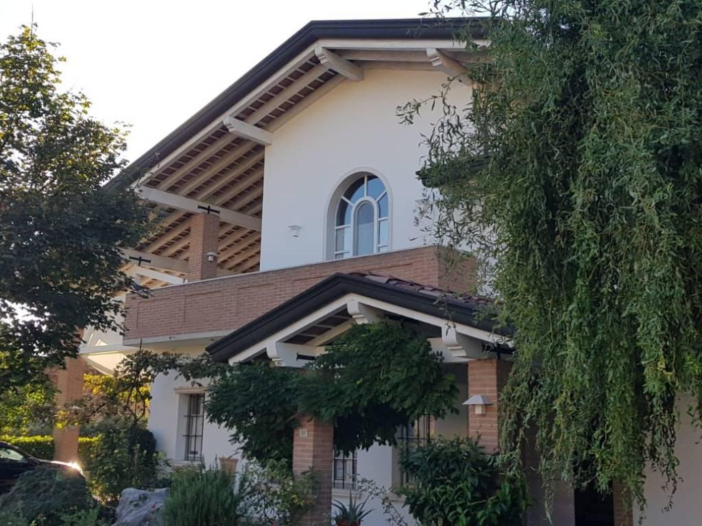 foto  Villa unifamiliare, buono stato, 320 mq, Montereale Valcellina