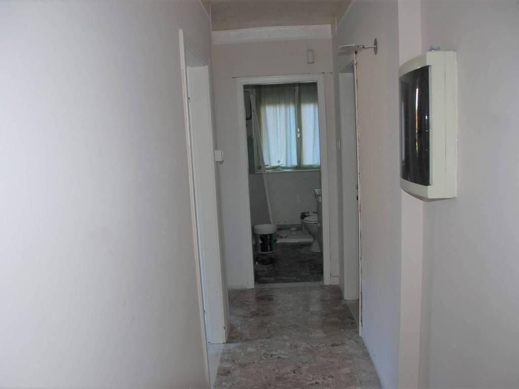 foto Corridoio Quadrilocale da ristrutturare, piano terra, Trento