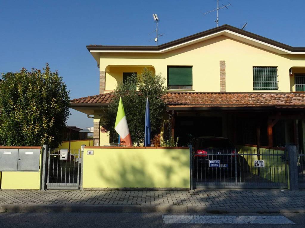 foto  Villetta a schiera via Domenico Merlanti 19-1, Argenta