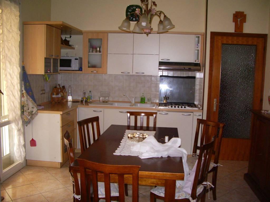 foto cucina Villa, buono stato, 130 mq, Reggiolo