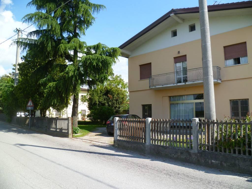 foto  Single family villa Strada Salionze, Monzambano