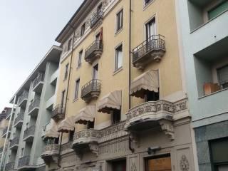 Case in Affitto: Medio Campidano Trilocale buono stato, quarto piano, Crocetta, Torino