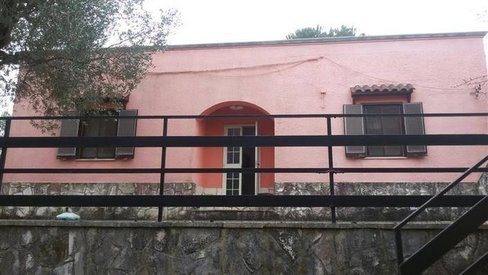 foto  Casa indipendente via ceglie messapica contrada Chiobbica, Cisternino