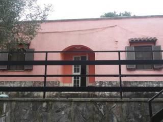 Foto - Casa indipendente via ceglie messapica contrada Chiobbica, Cisternino