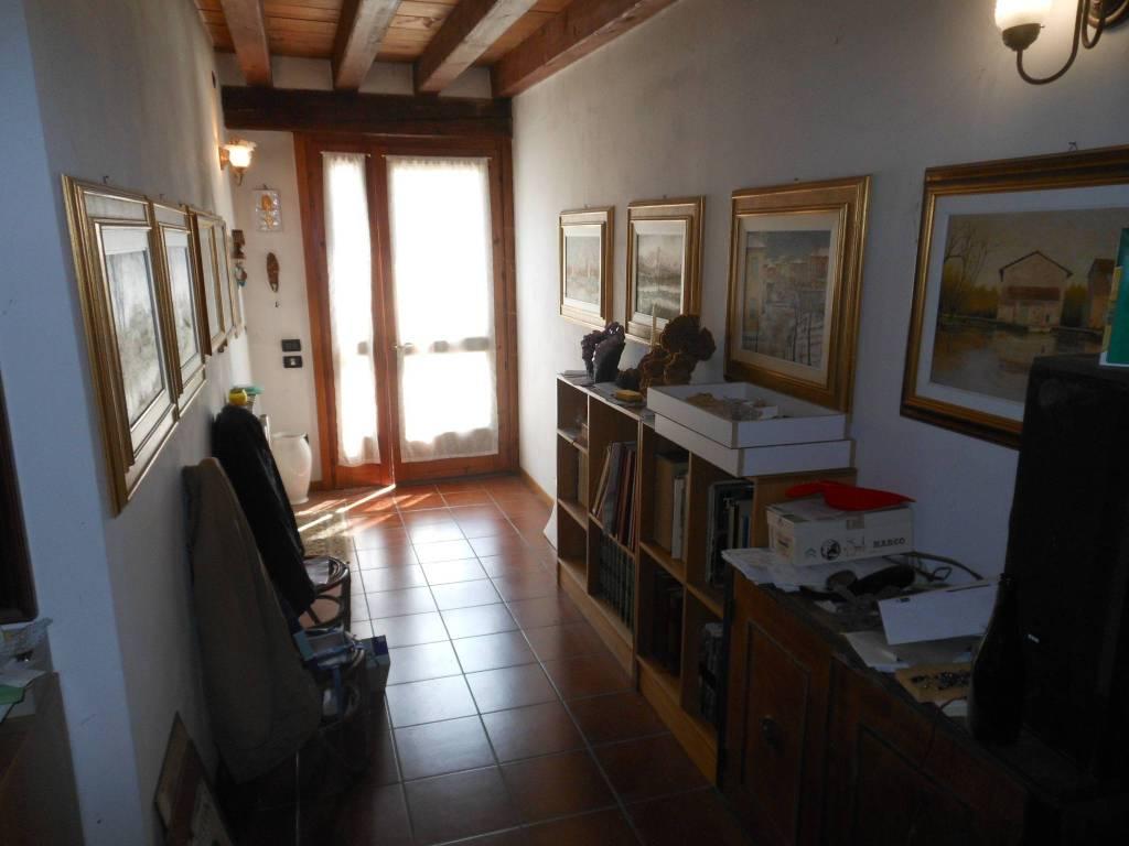 foto  Farmhouse, excellent condition, 250 sq.m., Ponzano Veneto