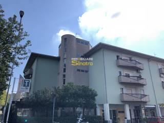 Foto - Quadrilocale via delle Rose 1, Paternò