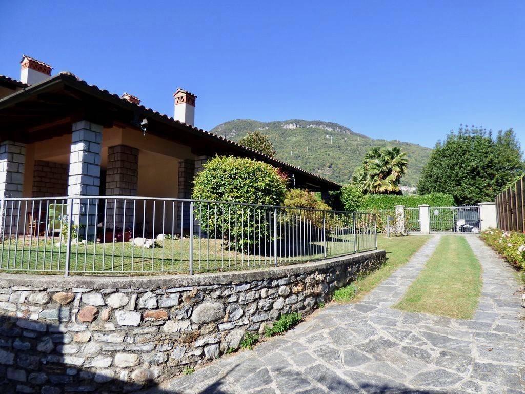 foto Villa Single family villa via Beata Maddalena di Canossa, Gravedona ed Uniti