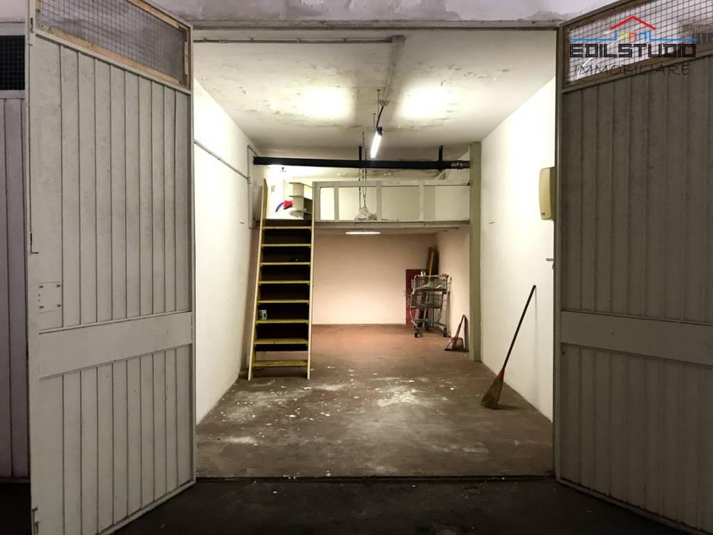foto GARAGE Box o garage 32 mq, Scandicci