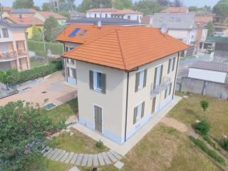 Foto - Appartamento in villa via Monte Grappa, Carnago