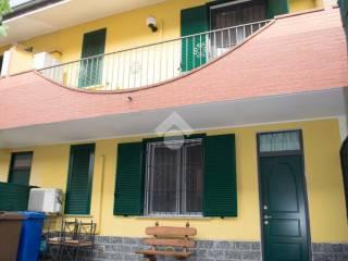 Foto - Casa indipendente via Partigiani, 16, Vellezzo Bellini