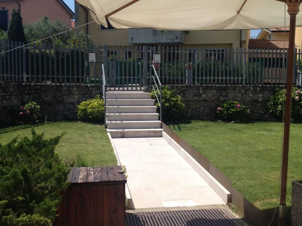 foto  Villa bifamiliare via Alcide De Gasperi 111, Mezzane di Sotto