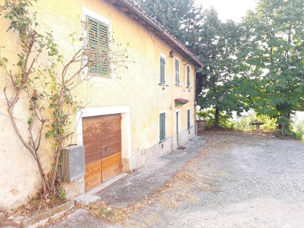 foto  Farmhouse, good condition, 639 sq.m., Cremolino