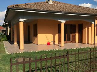 Photo - Two-family villa Bricco Miglino, Montafia