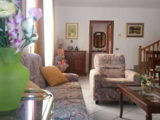 Foto - Villetta a schiera viale Giacomo Leopardi 20, Sassoferrato