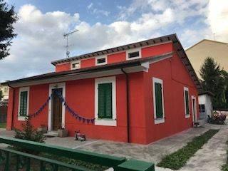 Foto - Rustico / Casale viale 20 Settembre 251, Carrara