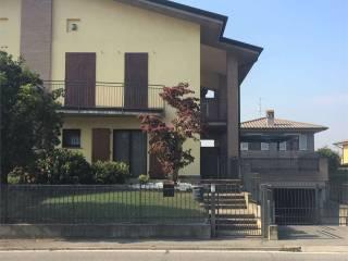 Foto - Villetta a schiera 5 locali, buono stato, Fontanella