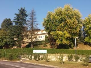 Foto - Trilocale via Ampelio Pessina, Biassono
