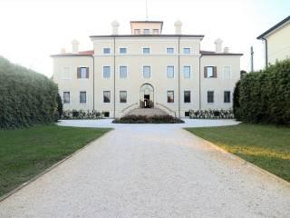 Foto - Palazzo / Stabile via Lisiade Pedroni, Gonzaga