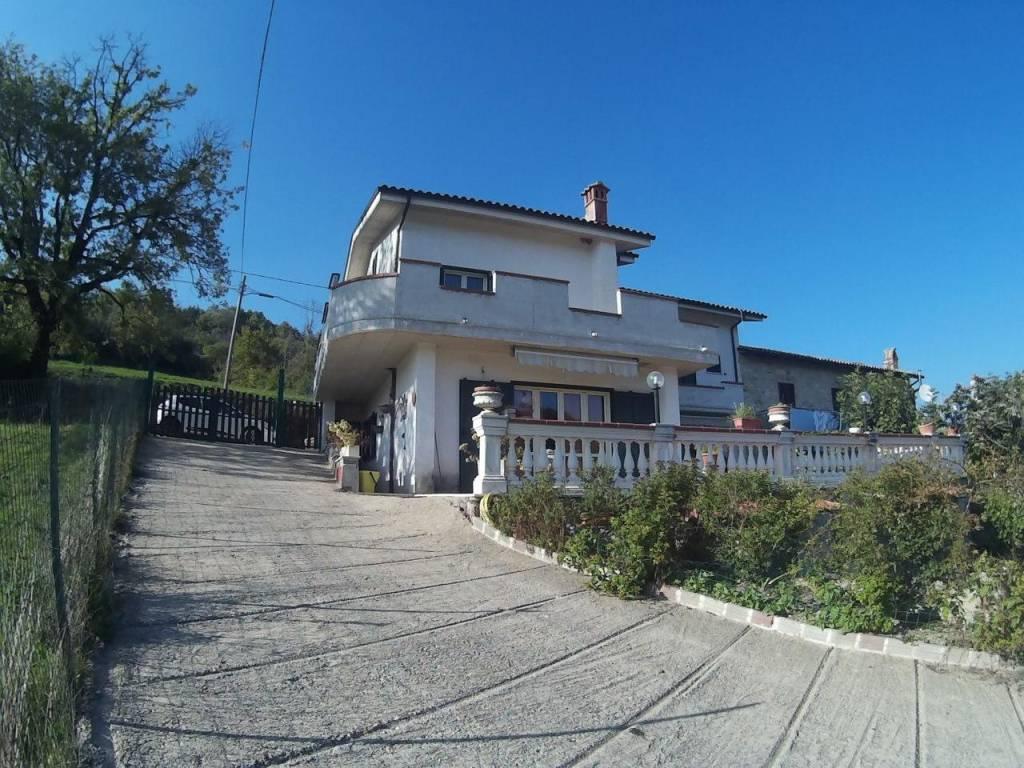 foto 1 Villa via Guglielmo Marconi 11, Torricella in Sabina