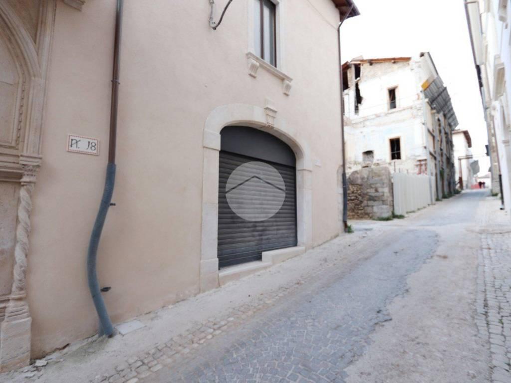 foto Esterno Quadrilocale via paganica, 20, L'Aquila