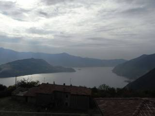 Foto - Bilocale via Plassi 7, Parzanica