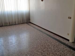 Foto - Quadrilocale buono stato, primo piano, Chioggia