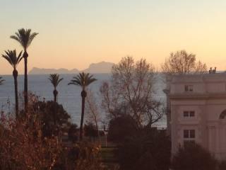 Foto - Trilocale ottimo stato, terzo piano, Chiaia, Napoli
