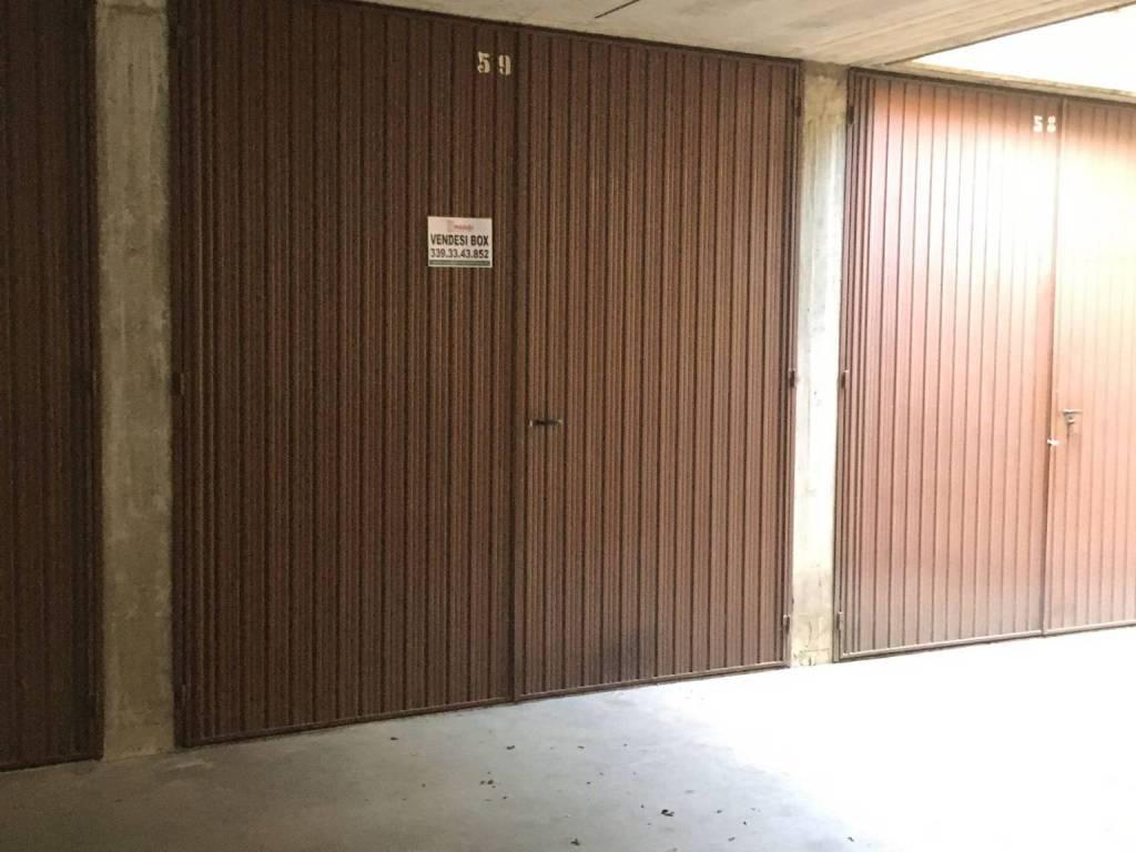 foto  Box / Garage via 1 Maggio 13, Segrate