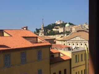 Foto - Quadrilocale ottimo stato, ultimo piano, Capodimonte, Ancona