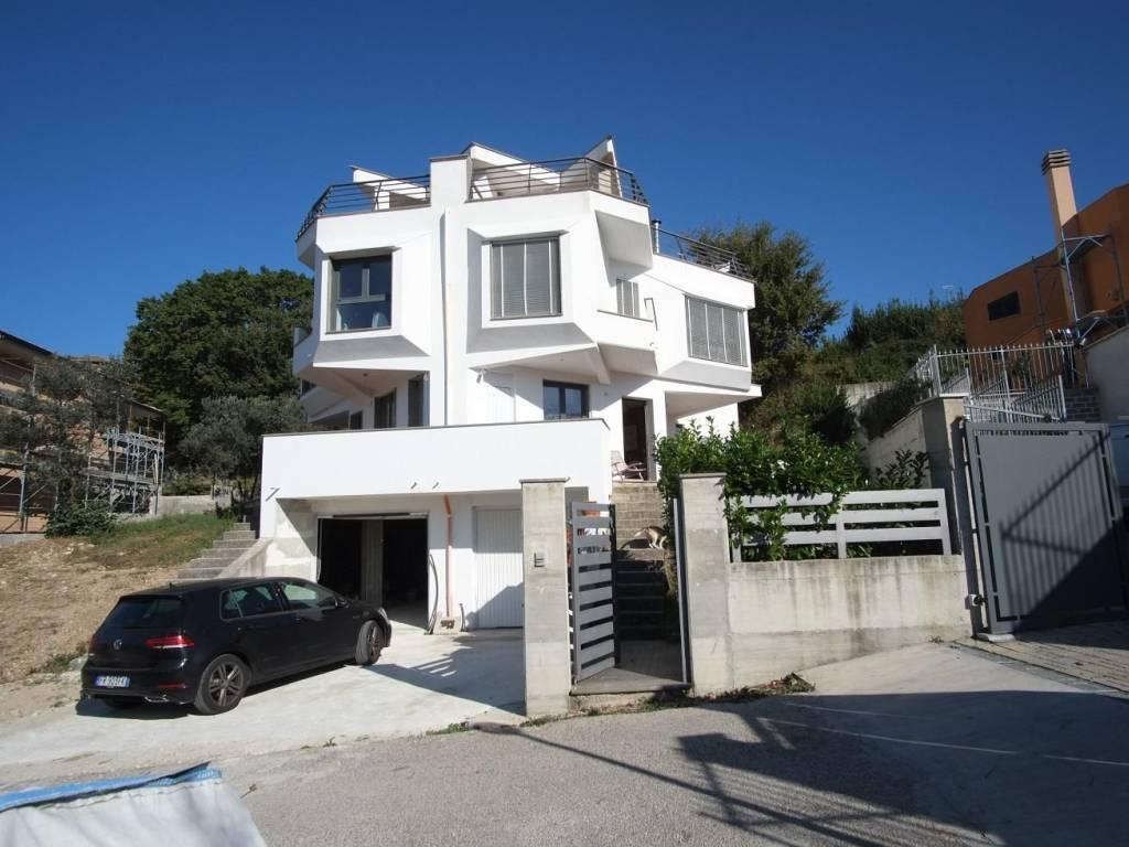 foto 1 Villa bifamiliare via Attilio Regolo, Poggio Moiano