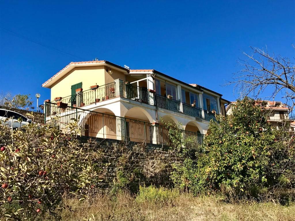 Vendita Villa bifamiliare in via San Bartolomeo Imperia ...