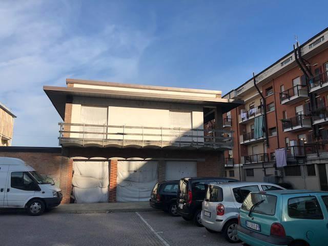 foto  Magazzino in Vendita a Canale