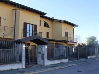 Foto - Villetta a schiera piazza Sant'Alberto 7, Morimondo