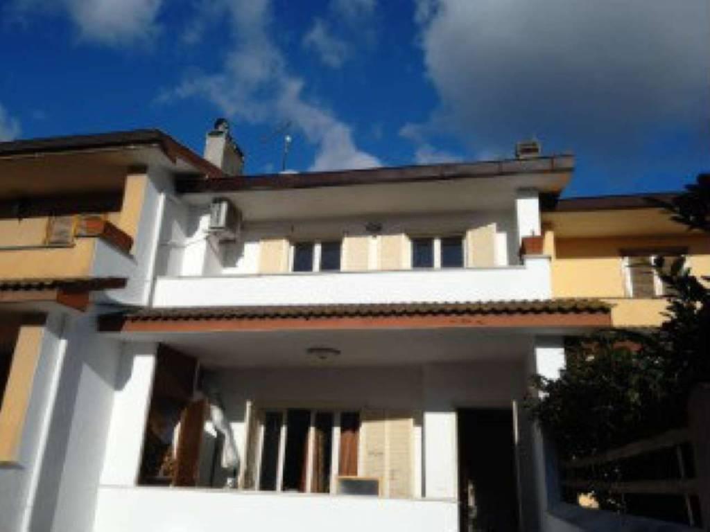 foto thumbnail IMG 20170101 143815[1] Villa via Agrifoglio 0, Anzio