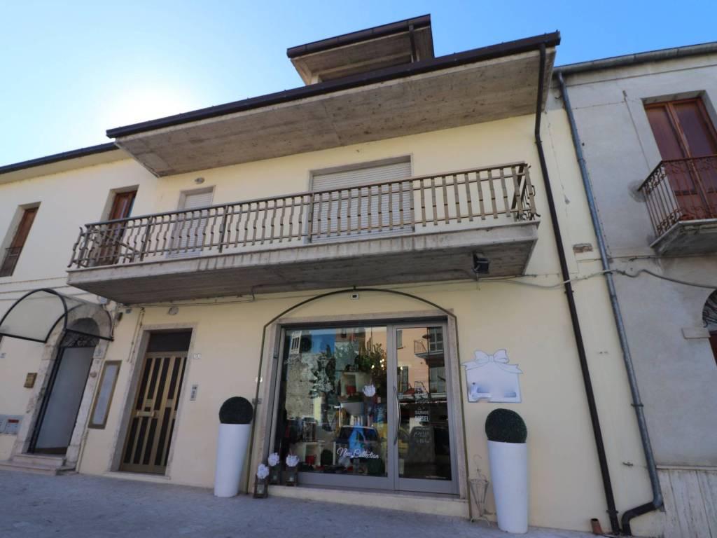 foto esterno Casa indipendente piazza Duca degli Abruzzi 13, Sant'Egidio alla Vibrata