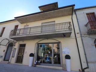 Foto - Casa indipendente piazza Duca degli Abruzzi 13, Sant'Egidio alla Vibrata