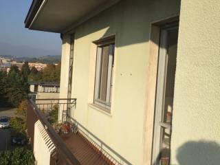 Foto - Quadrilocale buono stato, secondo piano, Montano Lucino