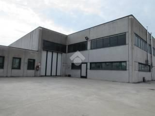 Garage/Box Auto in Affitto: Sassari Box / Garage 750 mq, Roverbella