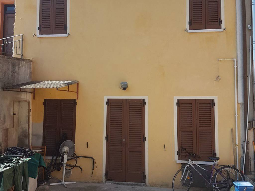 foto  Country house, good condition, 90 sq.m., Marmirolo