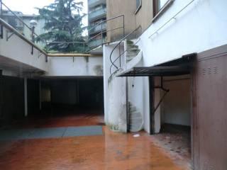 Garage/Box Auto in Affitto: Sassari Box / Garage viale Legioni Romane 42, Bande Nere, Milano
