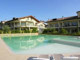 Giardini Moderni Con Piscina : Case con piscina in vendita sirmione immobiliare