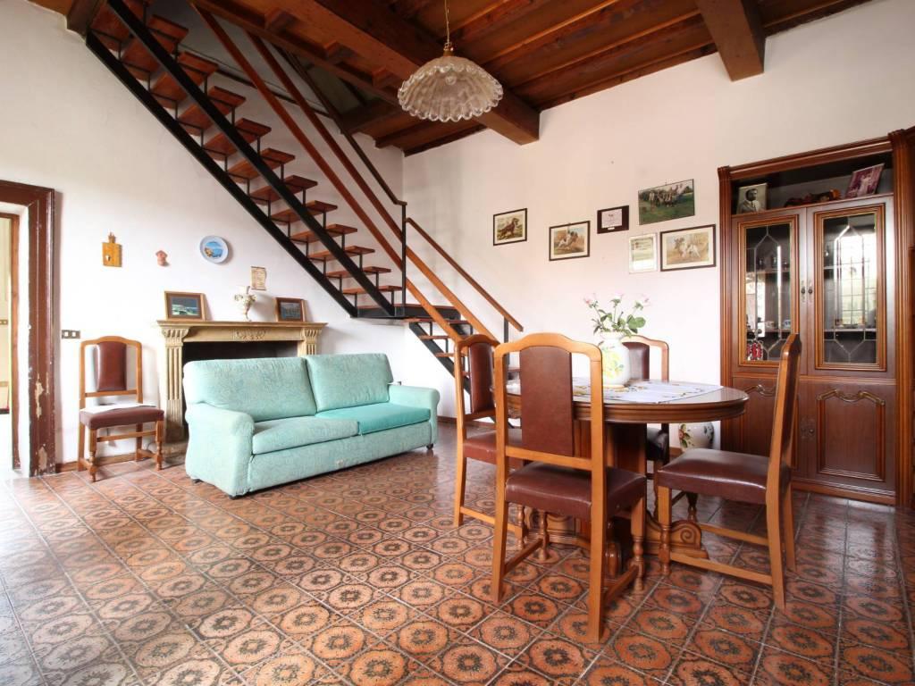 foto  Casa indipendente 150 mq, Roverbella
