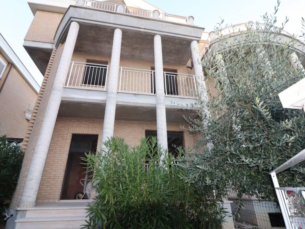 foto facciata Villa via Roma, Sant'Omero