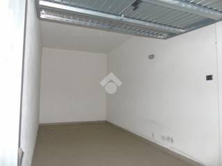 Foto - Box / Garage via Passo del Tonale, 29, Seriate
