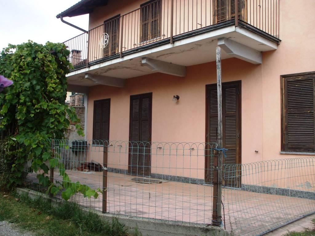 foto esterno Country house via del Castello 20, Castiglione Torinese