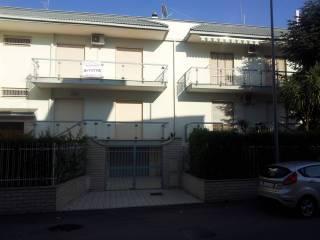 Foto - Quadrilocale ottimo stato, primo piano, Noicattaro