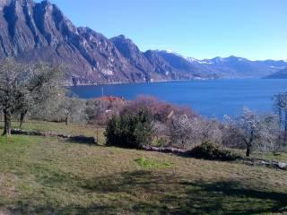 Foto - Terreno agricolo in Vendita a Riva di Solto