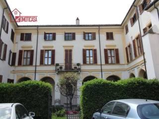 Foto - Trilocale via Camillo Leone, Vercelli
