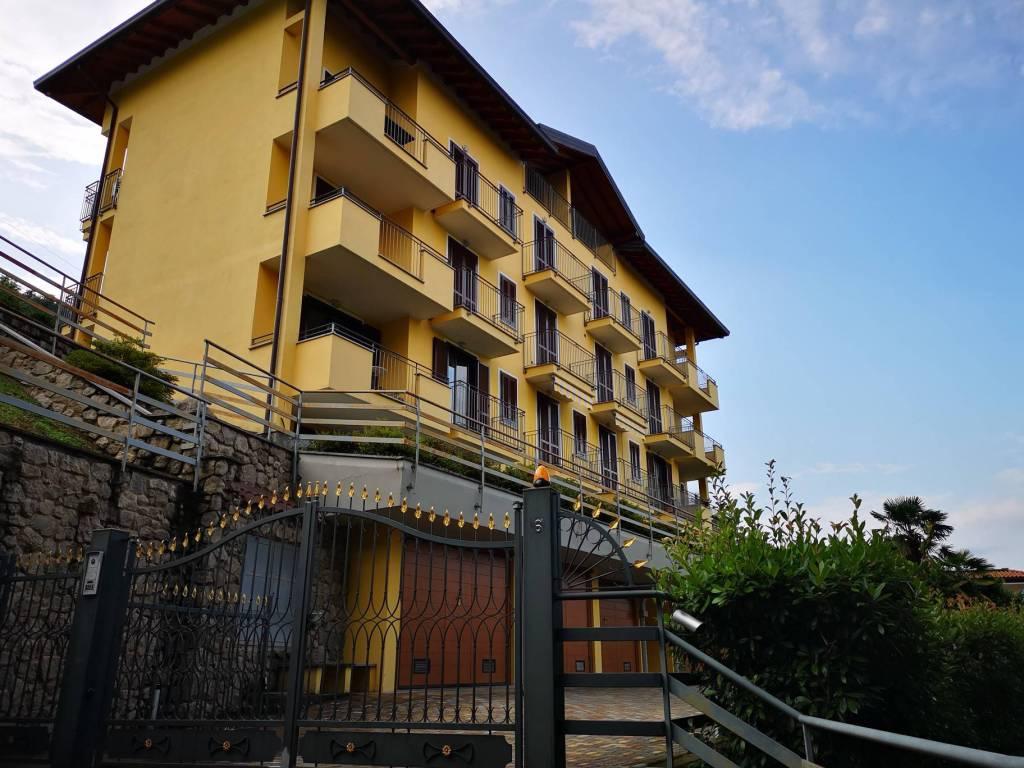 foto ESTERNO Attico / Mansarda Strada Statale del Sempione, Meina