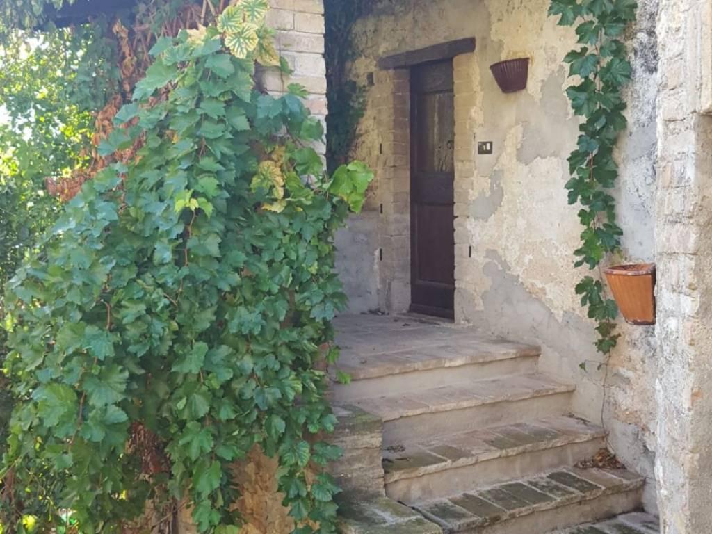 foto  Casa indipendente Bovara, Trevi